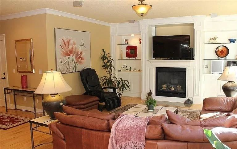 Photo of 9415 NE River Point Circle, Portland, OR 97211 (MLS # 220120652)