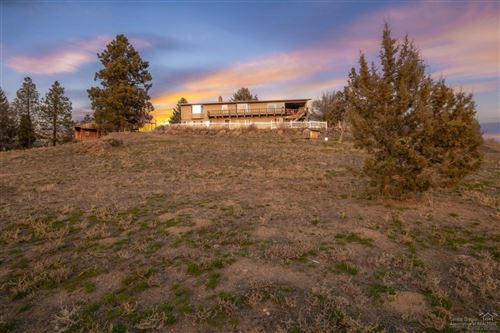 Photo of 814 NE Brown Drive, Madras, OR 97741 (MLS # 202001656)