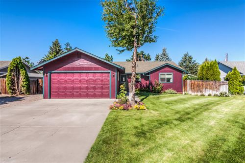 Photo of 1531 SW 17th Street, Redmond, OR 97756 (MLS # 220106663)