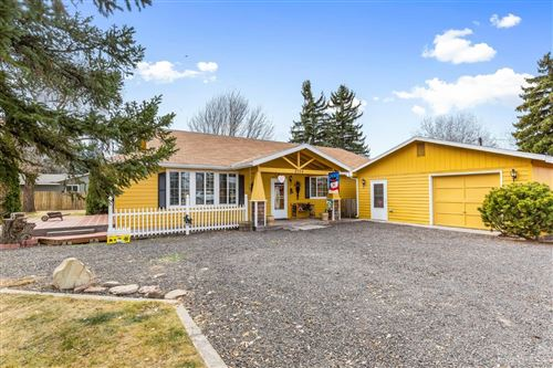 Photo of 2724 SW Timber Avenue, Redmond, OR 97756 (MLS # 201910666)