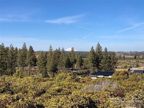 Photo of 19187 Gateway Loop, Bend, OR 97702 (MLS # 202002669)