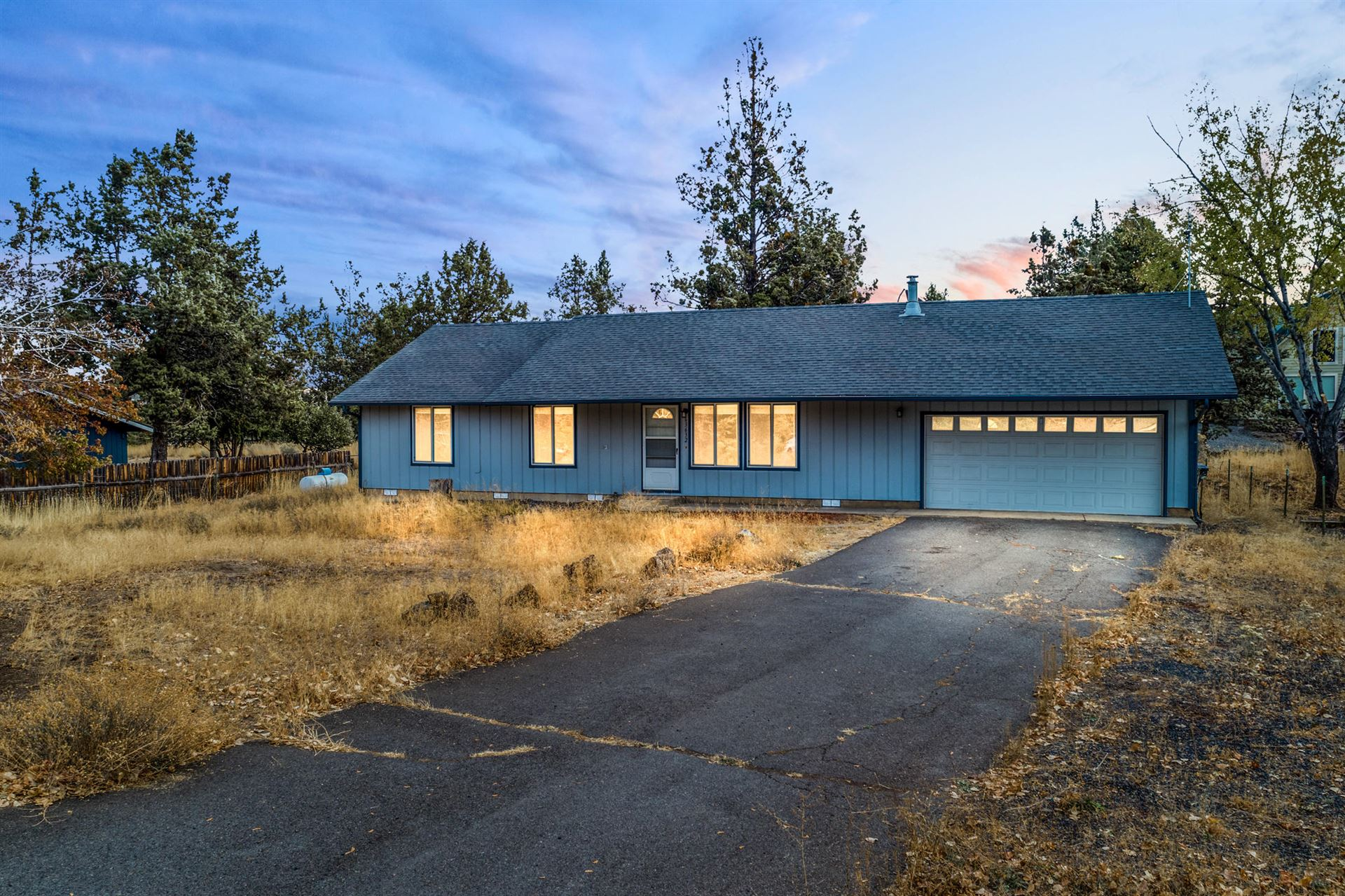 Photo of 63632 Hunters Circle, Bend, OR 97701 (MLS # 220111670)
