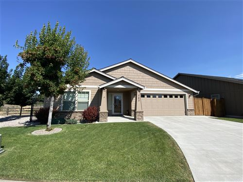 Photo of 782 NW 29th Street, Redmond, OR 97756 (MLS # 220105671)