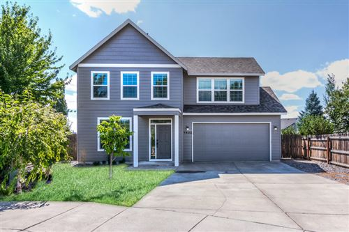 Photo of 1432 NW Spruce Court, Redmond, OR 97756 (MLS # 220106677)