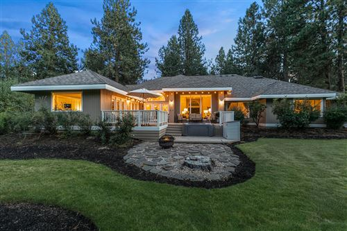 Photo of 20407 Christmas Ridge, Bend, OR 97702 (MLS # 220109679)