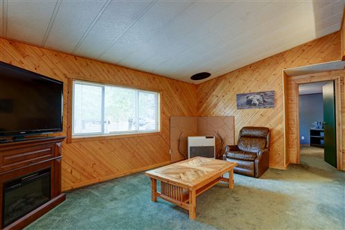 Tiny photo for 54761 Pinewood Avenue, Bend, OR 97707 (MLS # 220133688)