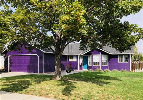 Photo of 2811 SW Reindeer Avenue, Redmond, OR 97756 (MLS # 220109689)