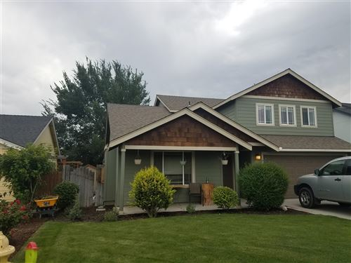 Photo of 652 NW Green Forest Circle, Redmond, OR 97756 (MLS # 220105690)