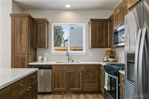 Tiny photo for 964 NE Paula Drive #5, Bend, OR 97701 (MLS # 201901692)
