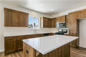 Tiny photo for 960 NE Paula Drive #6, Bend, OR 97701 (MLS # 201901693)