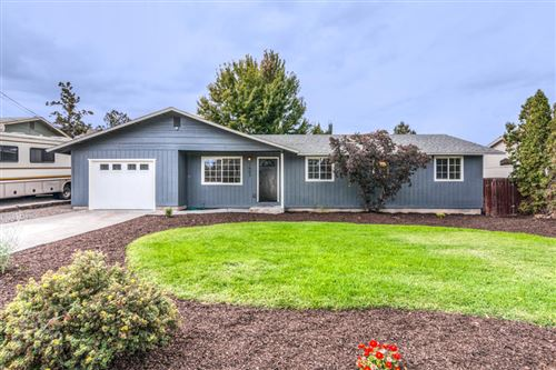Photo of 1607 SW 21st Place, Redmond, OR 97756 (MLS # 220109698)