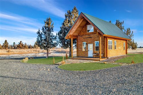 Photo of 68590 George Cyrus Road, Sisters, OR 97759 (MLS # 220115703)