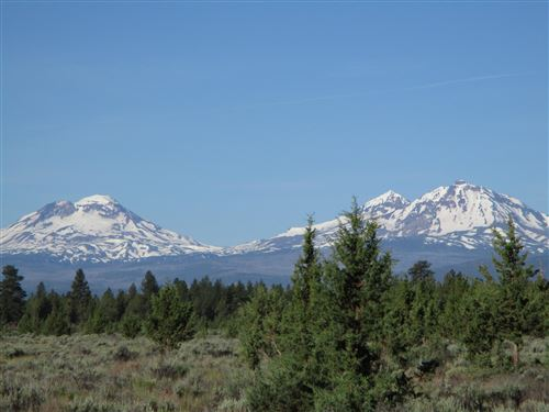 Photo of 17820 Mountain View Road, Sisters, OR 97759 (MLS # 220103712)