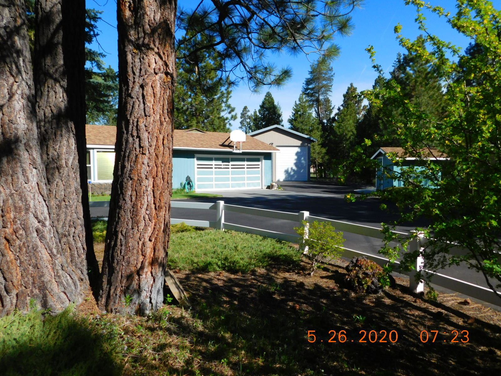 Photo of 15960 Bull Bat Lane, La Pine, OR 97739 (MLS # 220101715)