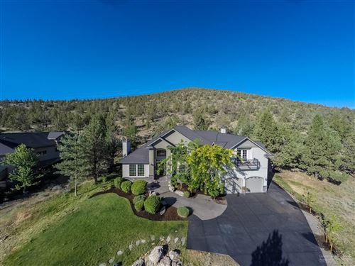 Photo of 681 Sundance Ridge Court, Redmond, OR 97756 (MLS # 201903721)