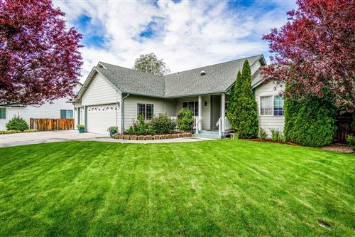 Photo of 2728 NW Canyon Drive, Redmond, OR 97756 (MLS # 220124721)