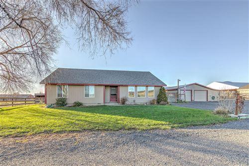 Photo of 3663 NW Gerke Road, Prineville, OR 97754 (MLS # 220133728)