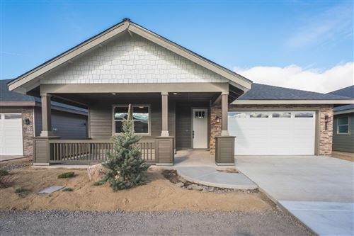 Photo of 28 NW 25th Street, Redmond, OR 97756 (MLS # 220101731)