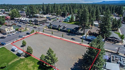 Photo of 320 W Cascade Avenue, Sisters, OR 97759 (MLS # 220121733)
