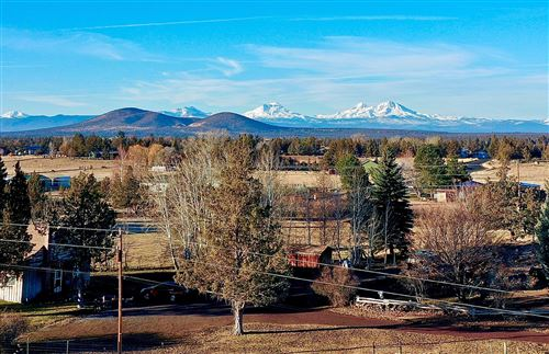 Photo of 2930 NW 35th Street, Redmond, OR 97756 (MLS # 220108736)