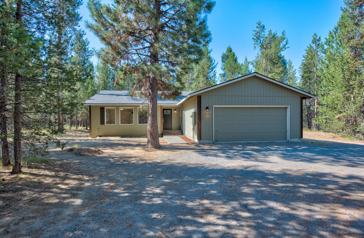 Photo of 15791 Sparks Drive, La Pine, OR 97739 (MLS # 220105738)