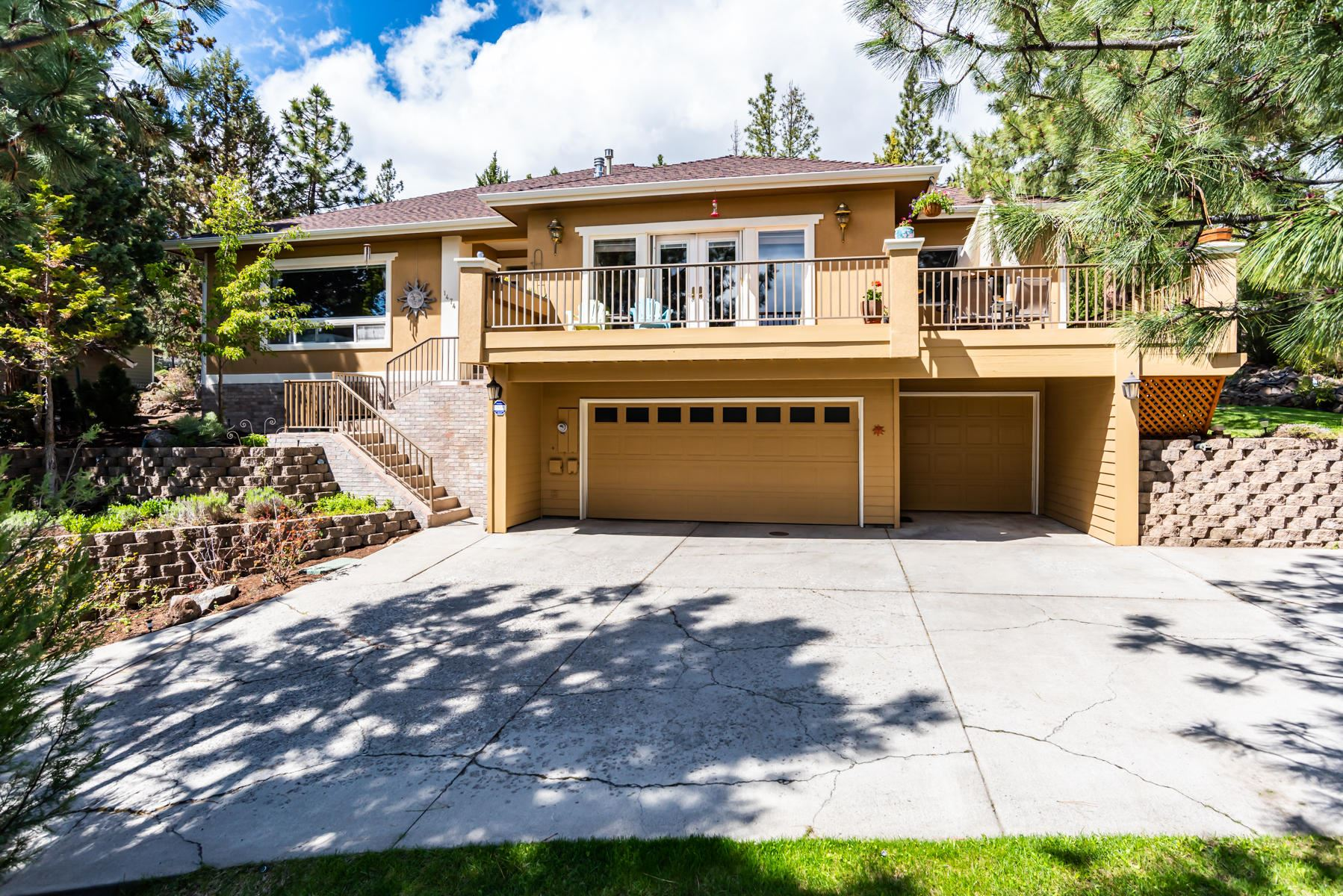 Photo of 1474 NW City Heights Drive, Bend, OR 97703 (MLS # 220101739)