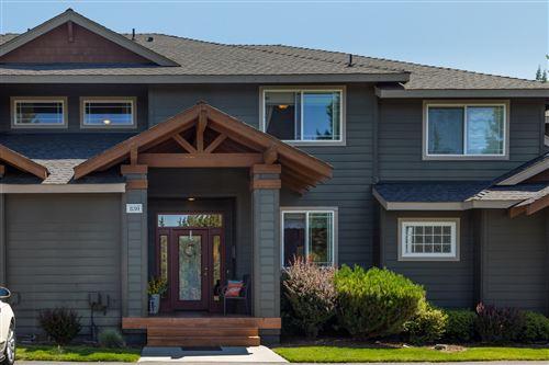 Photo of 830 Golden Pheasant Drive, Redmond, OR 97756 (MLS # 220104745)