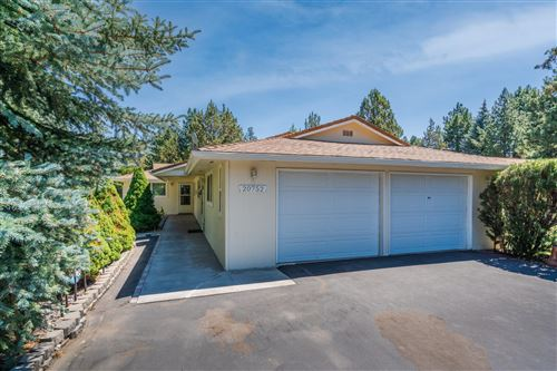 Photo of 20752 Canterbury Court, Bend, OR 97702 (MLS # 220127750)