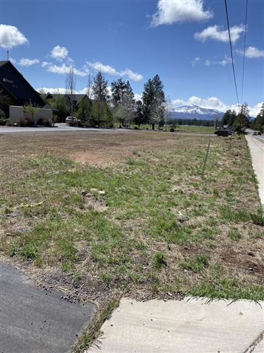 Photo of 635 W Cascade Avenue, Sisters, OR 97759 (MLS # 220121755)