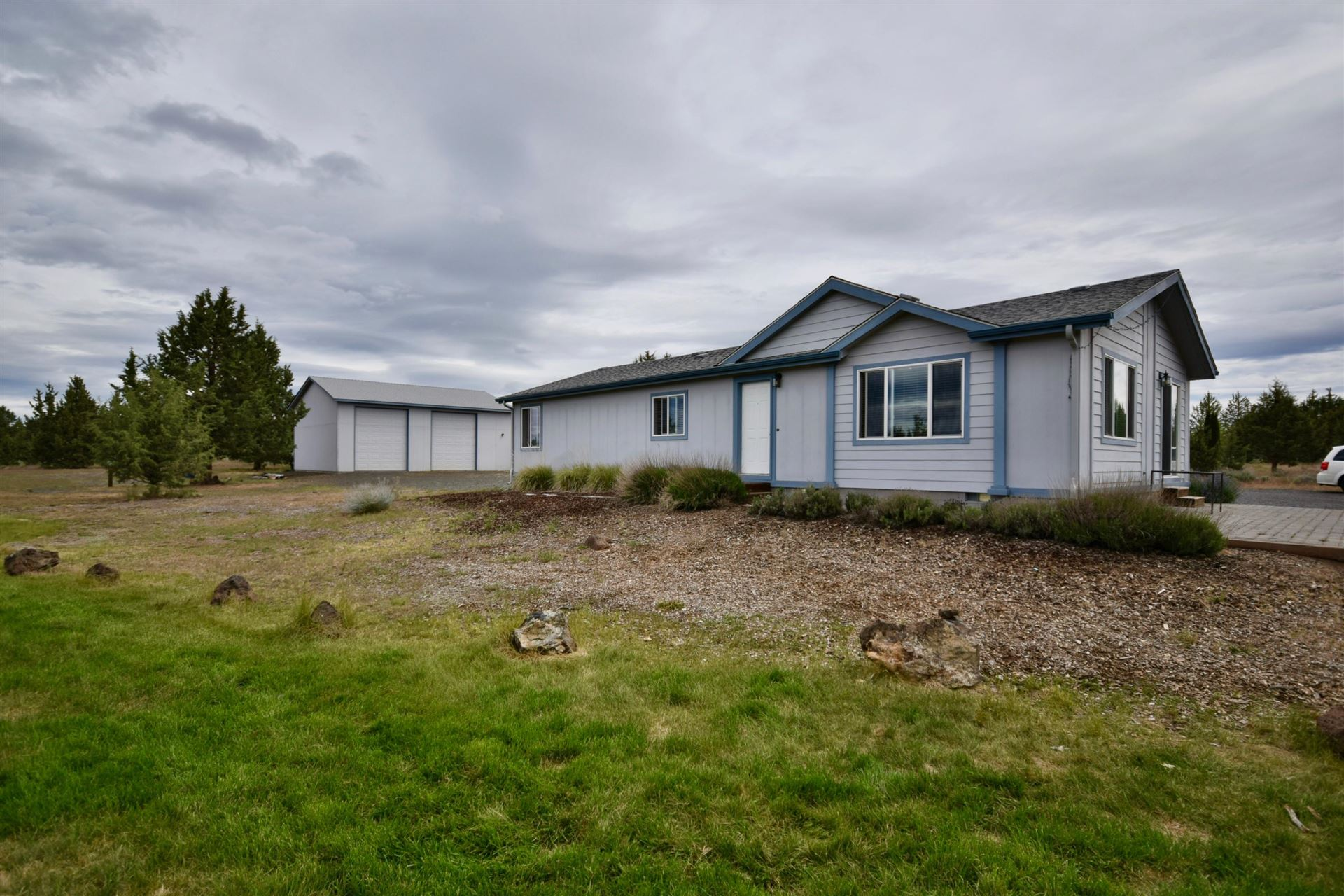 Photo of 7270 SW Shad Road, Terrebonne, OR 97760 (MLS # 220101759)
