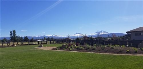 Photo of 550 E Diamond Peak Avenue, Sisters, OR 97759 (MLS # 220114763)