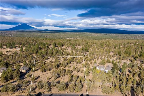 Photo of 17740 Mountain View Road, Sisters, OR 97759 (MLS # 220105770)