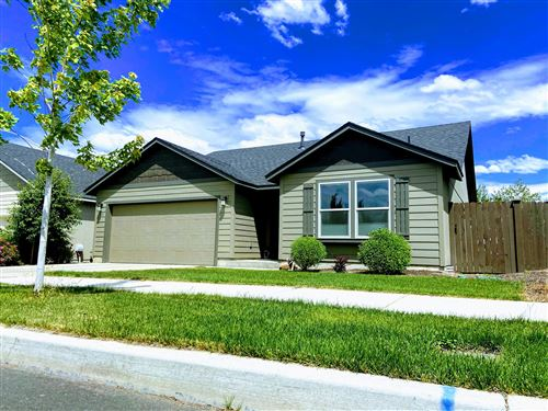 Photo of 950 NW 24th Way, Redmond, OR 97756 (MLS # 220104776)