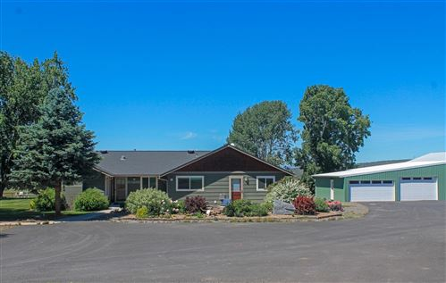 Photo of 6306 SW Valley View Road, Powell Butte, OR 97753 (MLS # 220108778)
