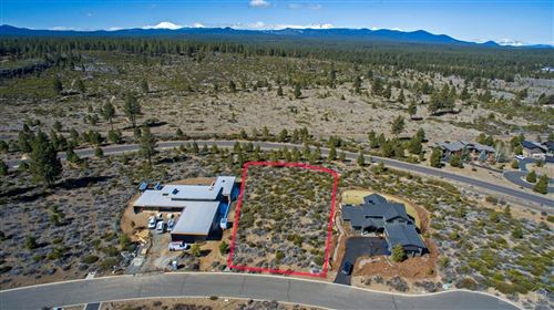 Photo of 61423 Cannon Court, Bend, OR 97702 (MLS # 202002783)