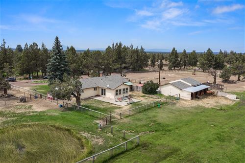 Photo of 126 NW 59th Street, Redmond, OR 97756 (MLS # 220128794)