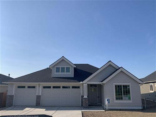 Photo of 1029 NE Hudspeth Circle, Prineville, OR 97754 (MLS # 202002801)