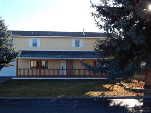 Photo of 424 SW 5th Place, Prineville, OR 97754 (MLS # 201910807)
