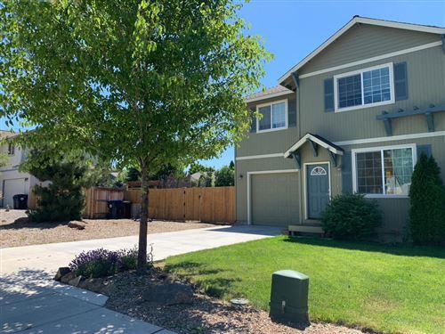 Photo of 1130 NW Redwood Avenue, Redmond, OR 97756 (MLS # 220104814)