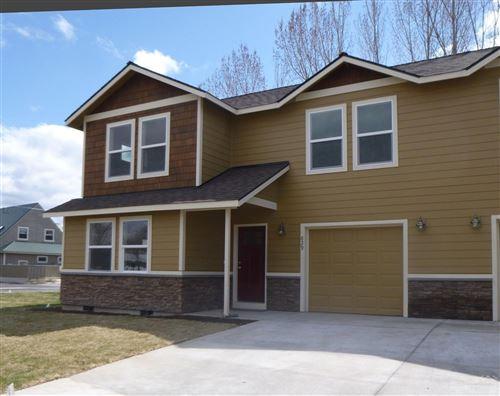 Photo of 829 SE Hodia, Prineville, OR 97754 (MLS # 201902816)