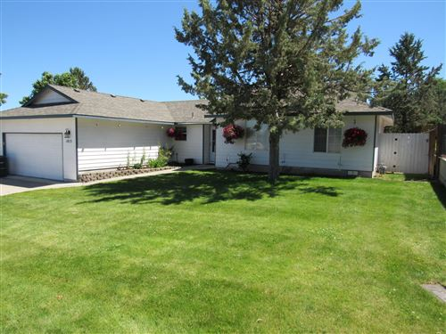 Photo of 1015 SW Kenwood Drive, Madras, OR 97741 (MLS # 220103834)
