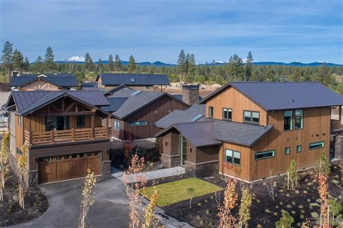 Photo of 19216 Gateway Loop, Bend, OR 97702 (MLS # 201910838)