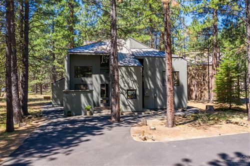 Photo of 70675 Pasque Flower, Sisters, OR 97759 (MLS # 201907839)
