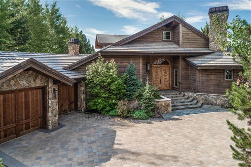 Photo of 23155 Angler Court, Bend, OR 97701 (MLS # 220108850)