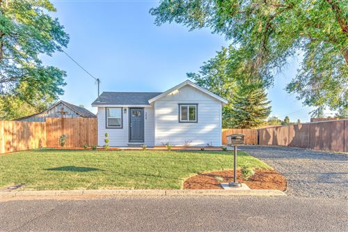 Photo of 344 NW 7th Street, Prineville, OR 97754 (MLS # 220127851)