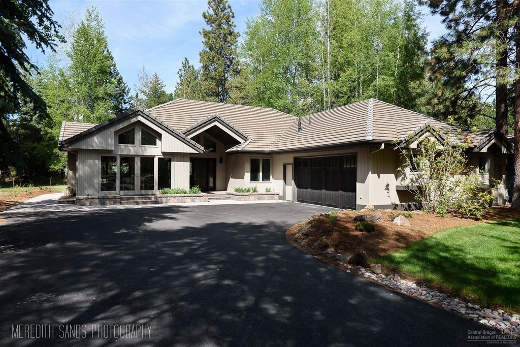 Photo for 19372 Soda Springs Drive, Bend, OR 97702 (MLS # 201809860)