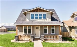 Photo of 825 NW 17th Street, Redmond, OR 97756 (MLS # 201810866)