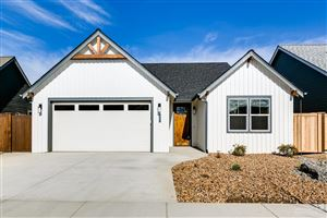 Photo of 4119 SW Badger Court, Redmond, OR 97756 (MLS # 201906873)