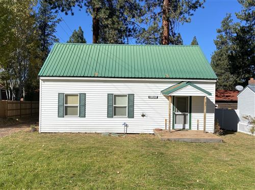 Photo of 138142 Hillcrest Street, Gilchrist, OR 97737 (MLS # 220110894)