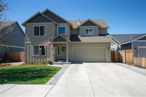 Photo of 265 NW 28th Street, Redmond, OR 97756 (MLS # 220121914)